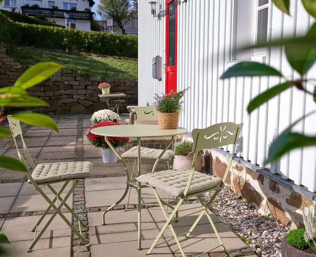 Terrasse der Ferienwohnung im Haus in Bewegung in Seelscheid
