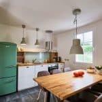 Küche mit Essplatz der Ferienwohnung in Seelscheid| Haus in Bewegung