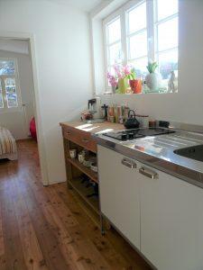 Küchenzeile im Gästehaus Haus in Bewegung  Haus in Bewegung