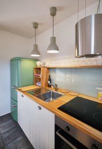 Voll ausgestattete Küche der Fereinwohnung in Seelscheid| Haus in Bewegung