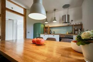 Große Küche in der großen Ferienwohnung im Haus in Bewegung| Haus in Bewegung