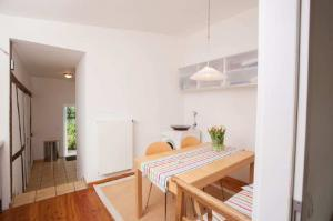 Küchenbereich Sitzplatz im Gästehaus im Haus in Bewegung| Haus in Bewegung