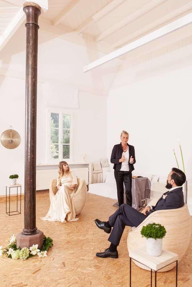 Hochzeit, Trauung und Hochzeitsfeier im Saal im Haus in Bewegung in Seelscheid